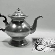 "7½"" Teapot by Daniel Curtiss"