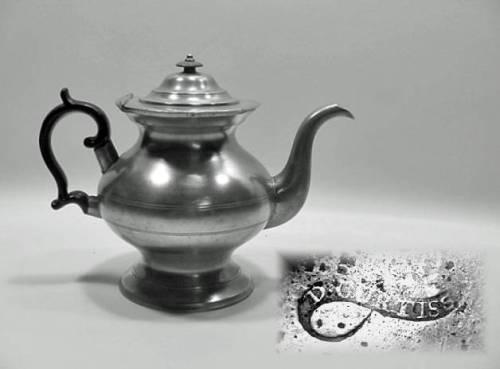 "7½"" Teapot by Daniel Curtiss"