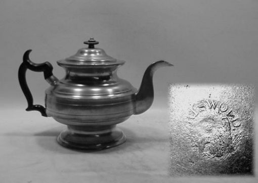 """6½"""" Teapot by Ashbill Griswold"""
