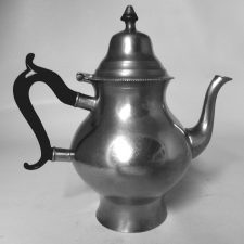 Transitional Boardman Teapot