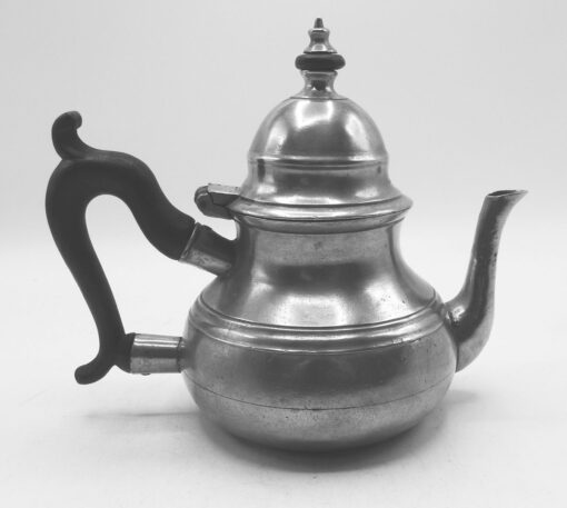 Queen Anne Teapot by Richard Yates